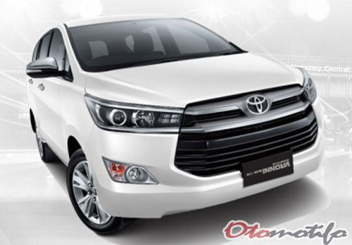 Mobil MPV Toyota Innova