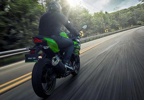 Gambar Kawasaki Ninja 400