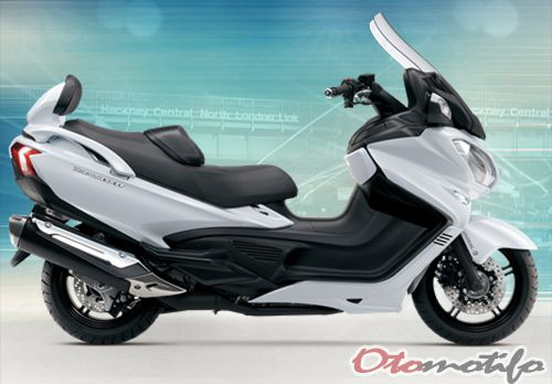 Gambar Suzuki Burgman 650 Executive