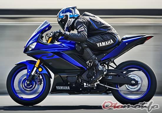 Tampak Samping Yamaha R25 Facelift