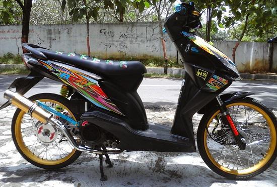 Foto Motor Beat Thailook