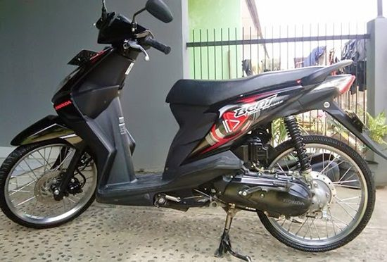 modifikasi motor beat hitam pelek 17