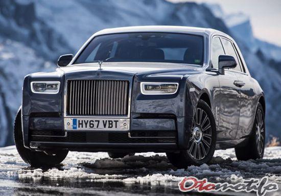 Gambar Rolls-Royce PhantomVIII