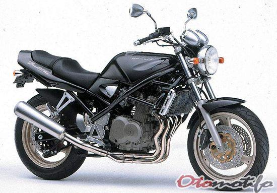 Gambar Suzuki Bandit GSF400