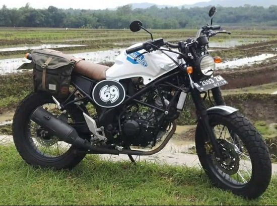Modifikasi CB150R Scrambler