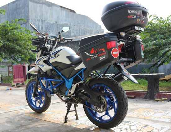 Modifikasi Honda CB150R Touring