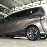 Modifikasi Toyota Sienta Velg Ring 17