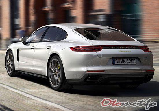 Gambar Porsche Panamera Turbo S E-Hybrid