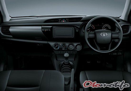 Interior Toyota Hilux Single Cabin