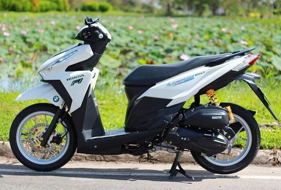 Modifikasi Vario 150 Simple Dengan Velg Jari Jari Ring 17