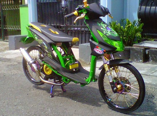 Modifikasi Motor Matic Drag Bike