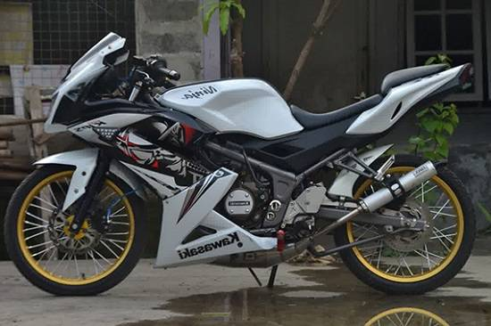 Modifikasi Ninja RR Super Kips