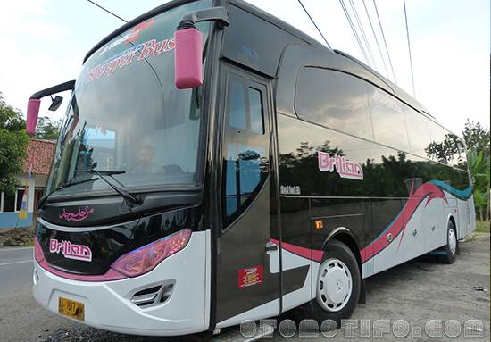 Gambar Sleeper Bus PO Berlian
