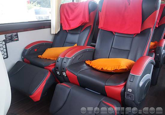 Interior Bus Harapan Jaya Super Luxury Class