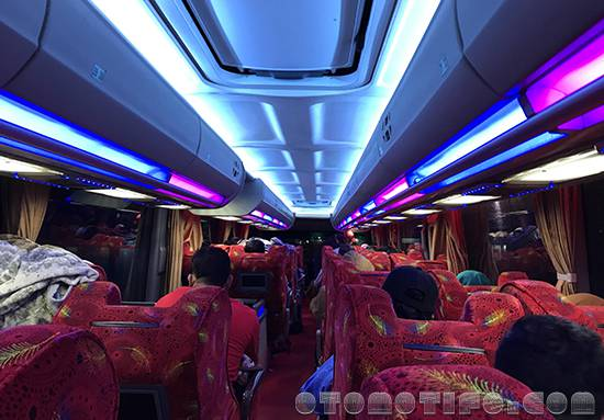 Interior Bus Sempati Star Double Decker