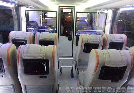Interior Bus Sinar Jaya Double Decker