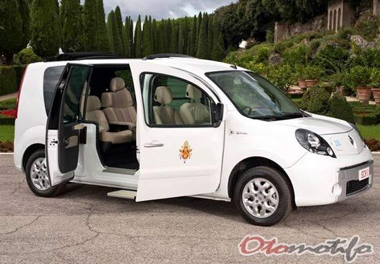 Renault Popemobile