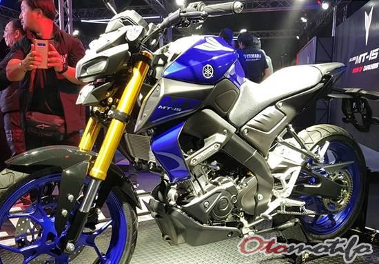 Tampak Samping Motor Yamaha MT-15