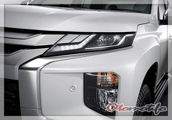 Headlamp Mitsubishi Triton