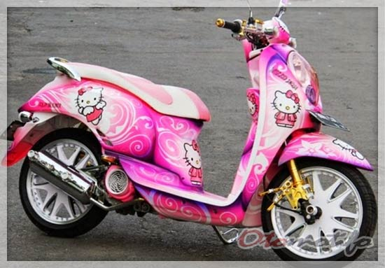 Modifikasi Honda Scoopy Airbrush Hello Kity