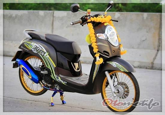 Modifikasi Honda Scoopy Kontes