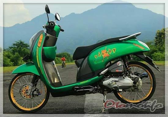Modifikasi Motor Scoopy Thailook Style