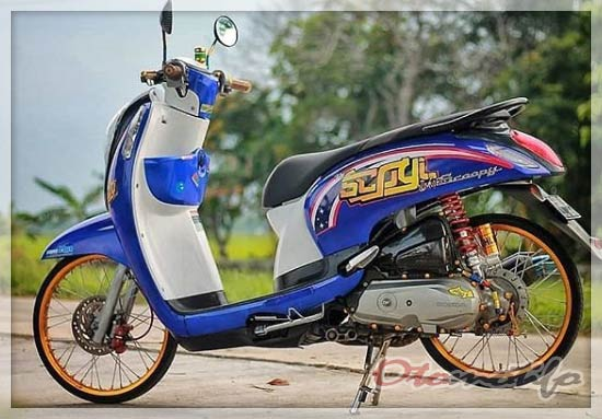 Modifikasi Scoopy Velg Jari-Jari