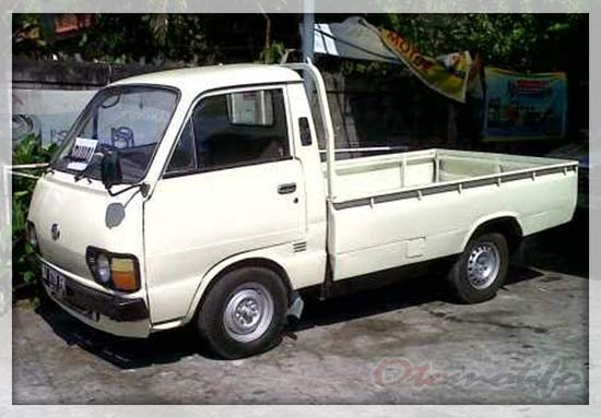 Gambar Toyota HiAce Pick Up
