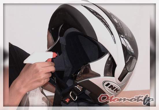 Pewangi Helm