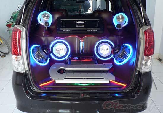 Modifikasi Audio Mobil Avanza