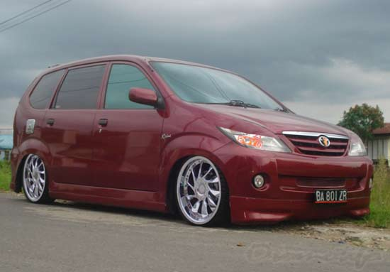 2019 Modifikasi Avanza Terbaru : Velg Racing, Bodykit, Jok