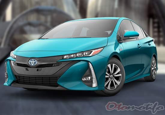 Gambar Mobil Listrik Toyota Prius Prime