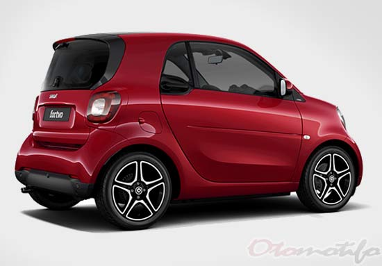 Harga Smart Fortwo Coupe Edition Red