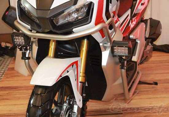 Motor Honda ADV Modif