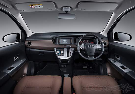 Interior Mobil Calya