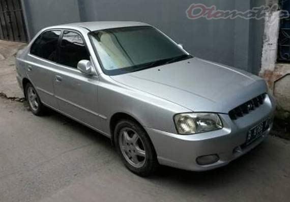 Gambar Hyundai Accent Verna 2002