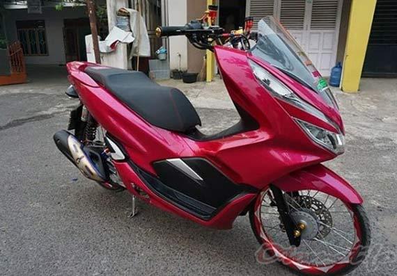 Modifikasi Honda PCX Merah